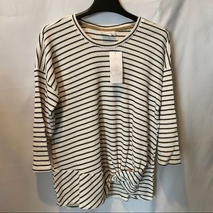 New Directions Top NWT Sz Large Retail $44